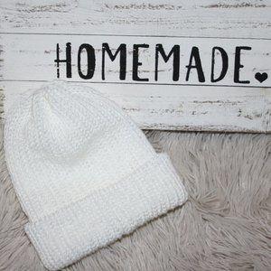 Handmade Satin White double knitted beanie 6-12 mo